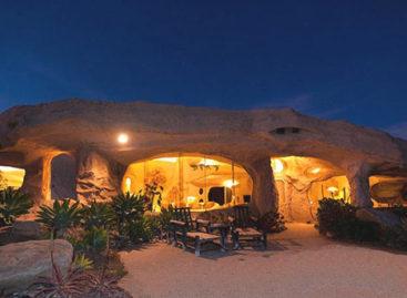 Flintstone – Căn nhà trong hang ở Malibu, Mỹ