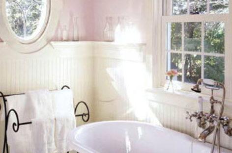 Sắc màu dễ chịu cho phòng tắm ngày hè