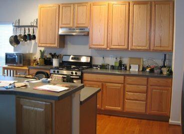 Sơn hay không sơn tủ bếp bằng gỗ