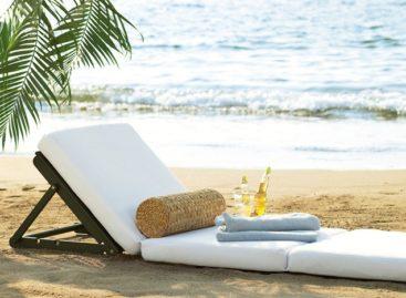 Hè đang vẫy gọi với những chiếc ghế tắm nắng