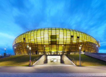 Tám sân vận động tổ chức các trận đấu EURO 2012