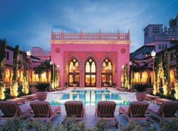 Hồ bơi khách sạn ấn tượng nhất