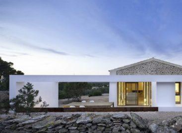 Nét giản dị, mộc mạc và thanh bình trong căn nhà Can Manuel d'en Corda