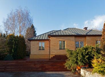 Không gian ấm áp với các mảng nội thất gỗ của căn nhà House for Life