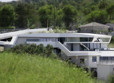 Toà nhà đương đại với lối kiến trúc bậc thang
