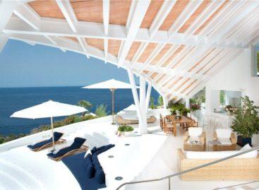 Ngắm nhìn vẻ đẹp kỳ vĩ của biển trong căn biệt thự ở Cala Marmacen