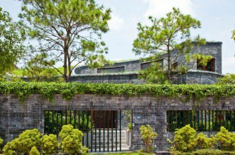 Chiêm ngưỡng vẻ độc đáo ngôi nhà bằng đá của kiến trúc sư Võ Trọng Nghĩa