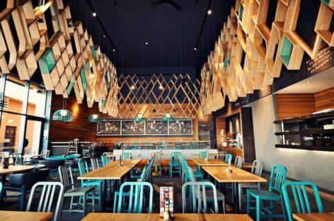 BLACKSHEEP: Nội thất nhà hàng Nando's ấn tượng tại Ashford