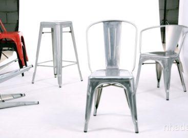 Chiếc ghế màu ánh trăng bạc thanh lịch