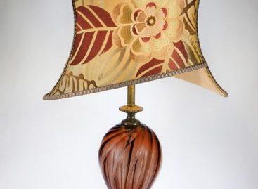 Thiết kế đèn bàn Aesthetic mang đậm phong cách Á Châu