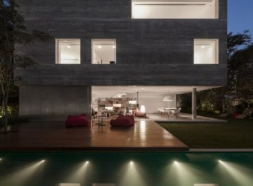 Thiết kế khối hộp của căn nhà Casa Cubo ở São Paulo
