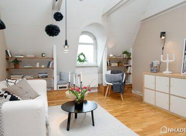 Căn hộ thành phố theo phong cách Attic Thụy Điển với nội thất màu trắng