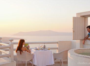 Trải nghiệm một kỳ nghỉ tuyệt vời tại chuỗi khách sạn Aqua Vista, Santorini