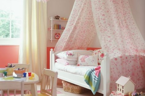 Trang trí phòng ngủ bé gái theo phong cách cổ điển