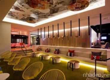 Khách sạn QT Hotel Gold mang đến không gian nghỉ dưỡng đầy nghệ thuật