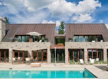 Ngôi nhà 299 Soper Place của công ty Barry J.Hobin + Associates Architects Inc.