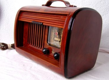 Chiêm ngưỡng thiết kế radio cổ điển lưu dấu thời gian