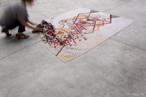Thảm gỗ Elisa Strozyk với họa tiết hình học và màu sắc độc đáo