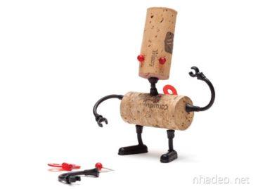 Bộ sưu tập những chú robot ngộ nghĩnh từ nút chai
