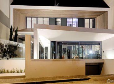 Ngôi nhà hiện đại tại Gerakas thiết kế bởi Office Twentyfive