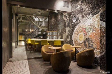 Nhà hàng Ramen độc đáo với bức tường Mosaic