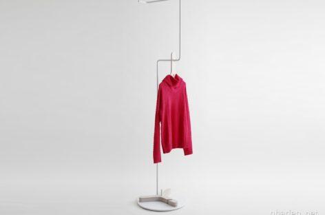 Móc treo áo khoác với hình dạng chữ Y do Mifune thiết kế