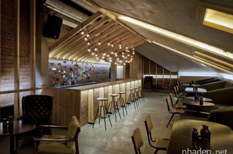Thiết kế quầy bar trên tầng áp mái của Inblum Architects