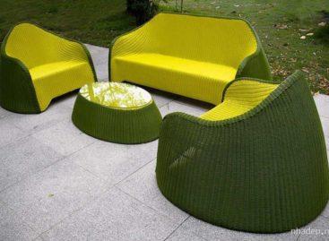 Tươi mát với màu xanh ô liu của bộ bàn ghế ngoại thất Apple