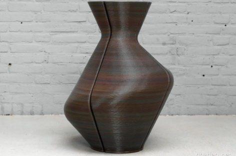 Ngắm nhìn thiết kế bình sáng tạo từ nhựa tái chế của Kooij