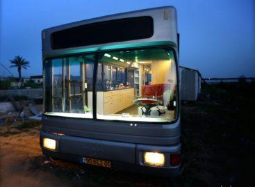Ngôi nhà xinh xắn được cải tạo từ một chiếc xe buýt cũ tại Sharon, Israel