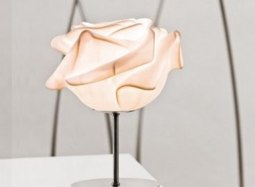 Tạo điểm nhấn độc đáo với những mẫu thiết kế đèn lấy cảm hứng từ hoa cỏ