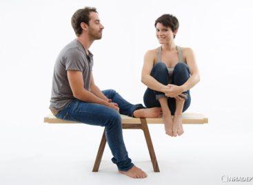 Chiếc ghế hai trong một của Andrea Rekalidis