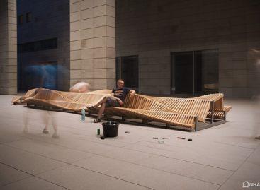 Chiếc ghế băng dài của nhà thiết kế Piotr Zuraw