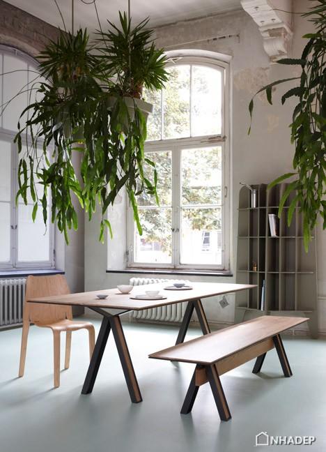 Blakeley_Table_by_Studio_Roderick_Vos_dezeen_468_0