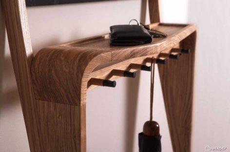Chiêm ngưỡng thiết kế lạ mắt của chiếc kệ Leaning Loop