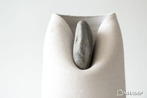 Lo-Vase-with-Stone_05