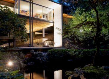 Ngôi nhà Southlands nằm ẩn mình giữa thiên nhiên Vancouver, Canada