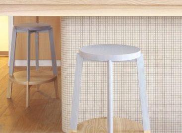 Chiếc ghế đẩu hai màu thiết kế bởi Naoya Matsumoto