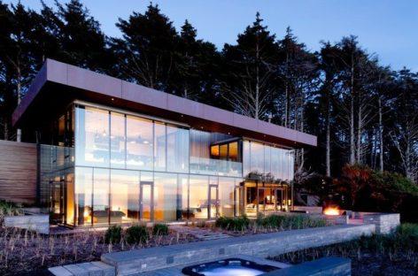 Ngôi nhà trong suốt nhìn ra bãi biển Oregon