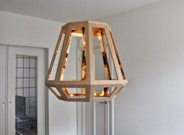 Chiếc đèn gỗ ZUID tinh tế