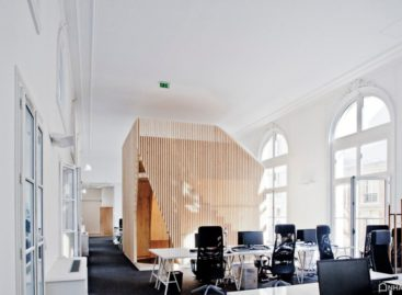 Thiết kế văn phòng hiện đại trong tòa nhà cổ kính tại Pháp