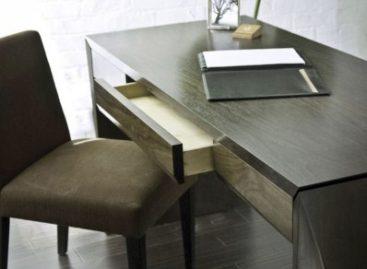 Làm đẹp văn phòng với những chiếc bàn làm việc