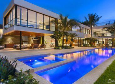Biệt thự hiện đại được thiết kế và xây dựng bởi Luis Bosch ở Miami Beach