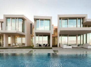 Chiêm ngưỡng ngôi nhà kì ảo hướng ra Địa Trung Hải