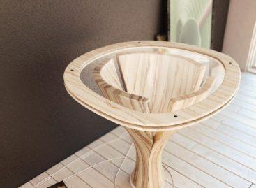 Chiếc bàn Banana Table với lối thiết kế điêu khắc lôi cuốn lấy cảm hứng từ các loại hoa quả