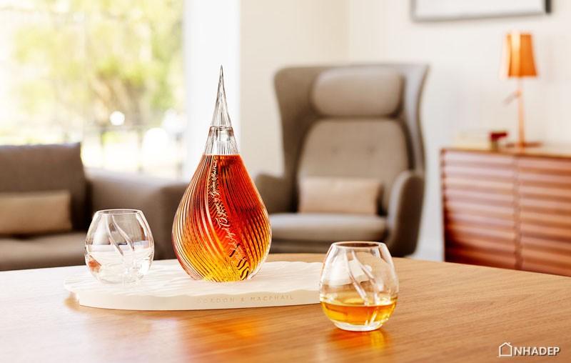 ngam-nhin-thiet-ke-tinh-xao-bo-san-pham-mortlach-whisky_01