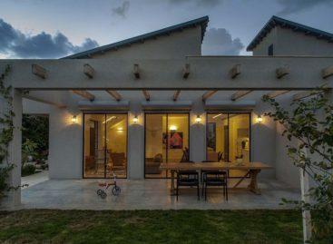 Ngắm nhìn ngôi nhà hiện đại nằm giữa vùng nông thôn xinh đẹp ở Israel