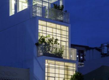 304 House – Nhà phố với những khoảng thở nhờ giếng trời
