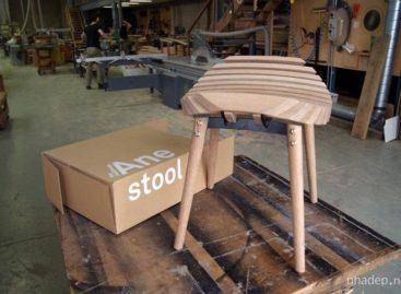 Ghế đẩu Ane thiết kể bởi Troy Backhouse