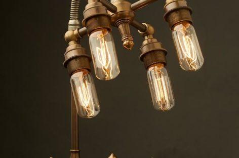 Một số mẫu đèn để bàn với kiểu dáng độc đáo và bắt mắt